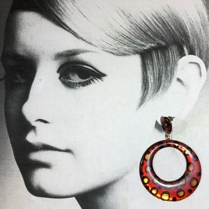 Vintage 80's red resin leopard pattern hoops